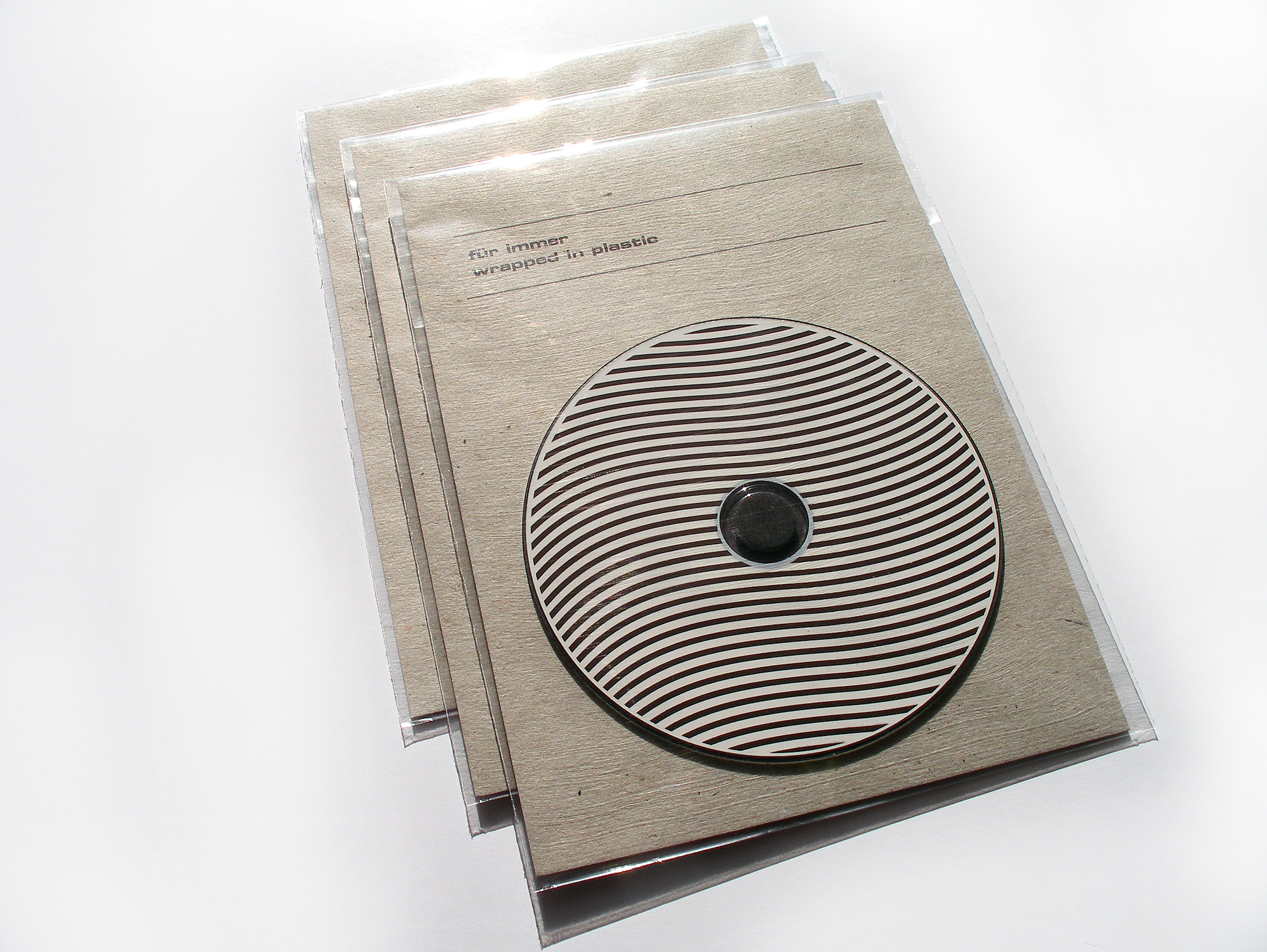 Cover image: Für Immer Wrapped in plastic (2010)